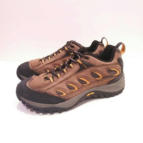 f893491fd152f Merrell Men s Radius Leather Hiking Trail Shoe Men.  M 5ab826dc3b16085325977be3